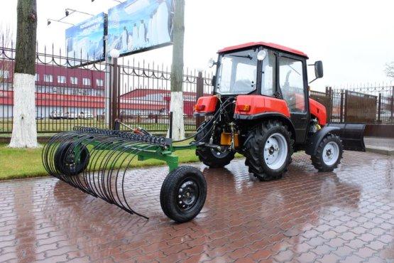 postavka-traktora-s-navesnym-oborudovaniem-dlya-togbou-do-sportivno-ozdorovitelnyj-lager-tambovskij-artek-1