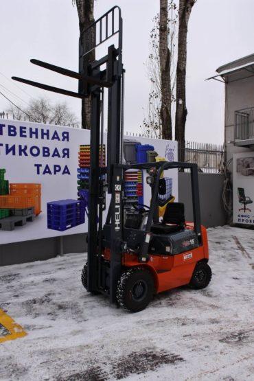 postavka-pogruzchika-dlya-ooo-art-print-cherez-lizingovuyu-kompaniyu-ao-vtb-lizing-13